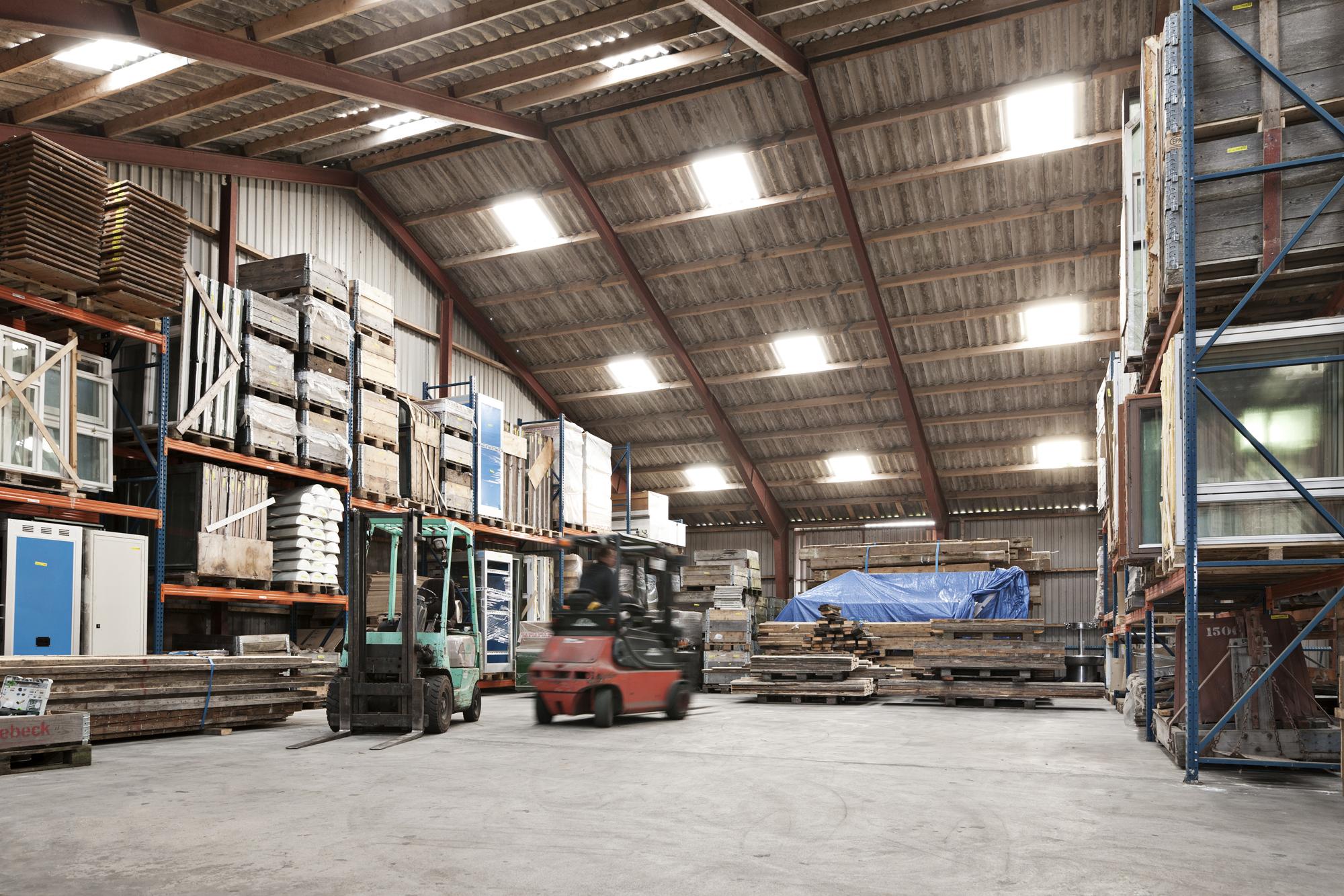 Byggemarked med brugte byggematerialer